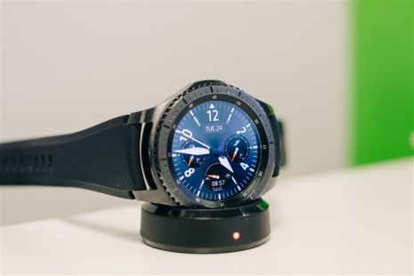 Samsung gear S3 with spotify service