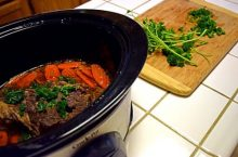 Who makes the best slow cookers for tasty grub?